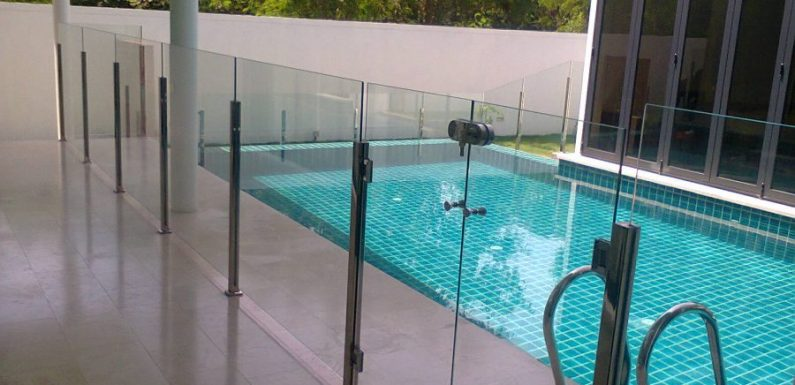 Glass Privacy Fences Do More Than Just Protect Your Swimming Pool Area
